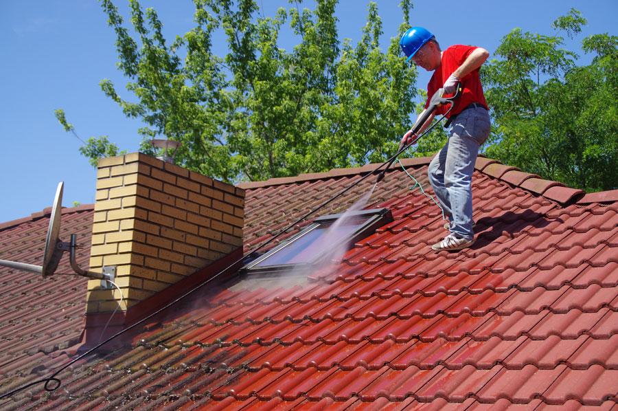 démoussage, nettoyage de toitures dans le Calvados, Eure et Seine-Maritime